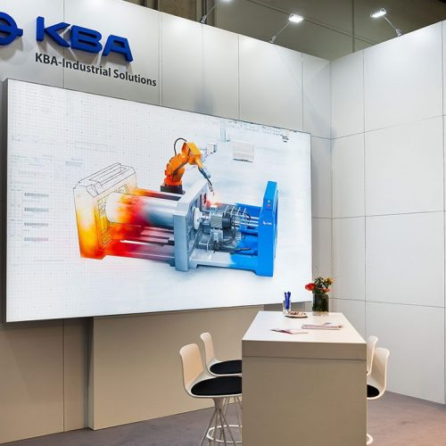 expokom GmbH | Bildschirm Messestand KBA